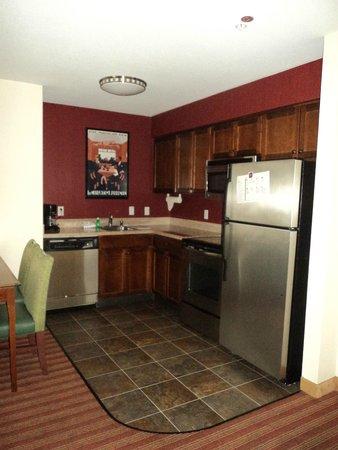 Residence Inn San Diego Rancho Bernardo/Scripps Poway : Comoda habitación