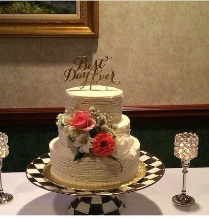 Cheesy Eddies Did My Wedding Cake Amazing Looked Great And Tasted