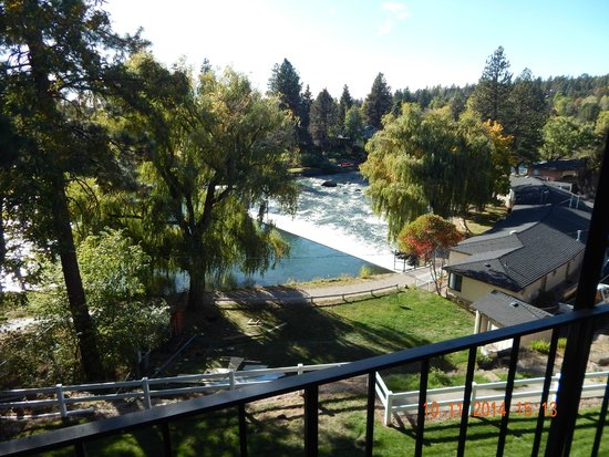 Bend Riverside Inn & Suites: view from room