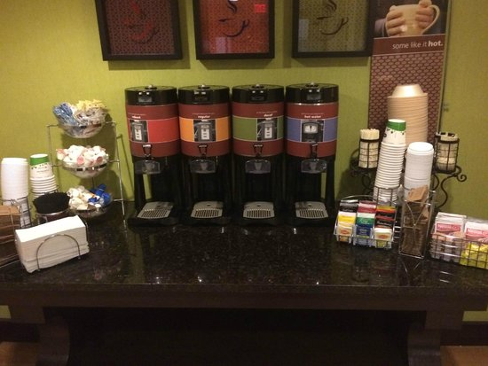 Hampton Inn Nanuet: coffee & tea!
