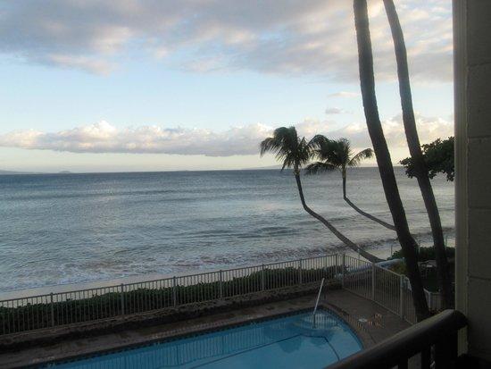 Hono Kai Condominium Resort: Pool/Beach