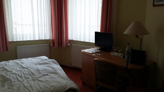Hotel Römerbrücke: Номер