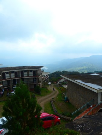 Ayur County Resorts : the steep climb to the rooms