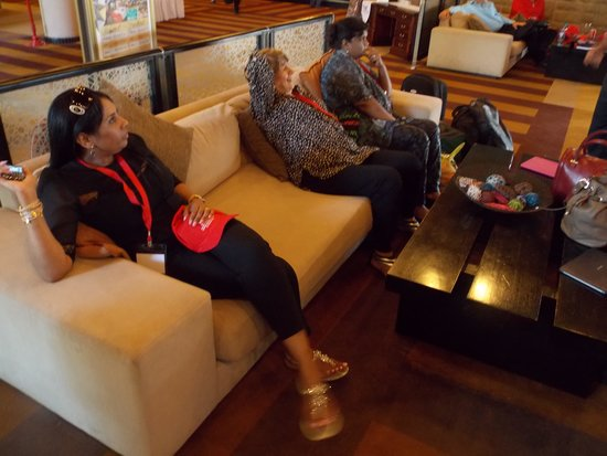 AVANI Maseru Hotel: Pastor relaxing in foyer
