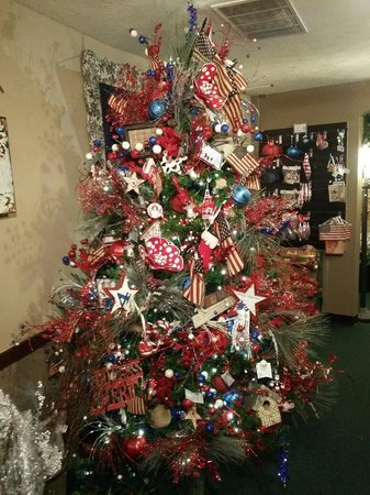 tis the season red white and blue tree - Red White And Blue Christmas Tree