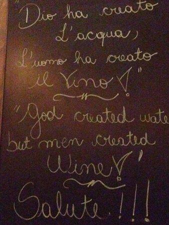 Hard Rock Hotel San Diego: Dios ha creado el agua!! El hombre ha creado el vino!!! Salud...