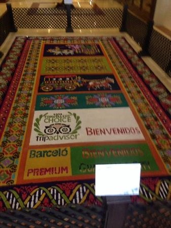 Barcelo Guatemala City : sawdust carpet