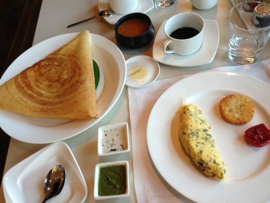Threesixty Degrees: a bit of Indian and western food for breakfast
