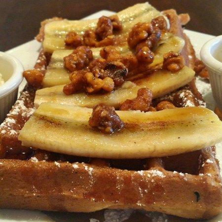 Kafe Neo: Banana nut waffles