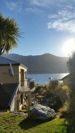 The Moorings : lovely view of the lake