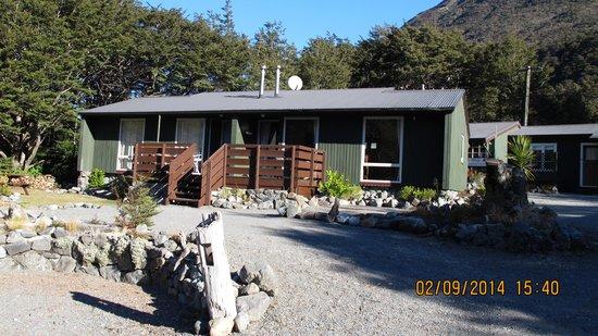 Arthur's Pass Alpine Motel: Front rooms 4 & 5