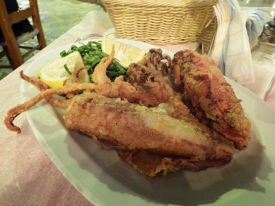 Taverna Lulus: Fresh calamari