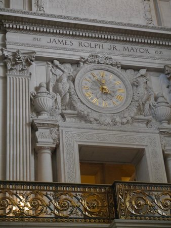 San Francisco City Hall: Gorgeous architectural features.