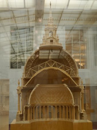 San Francisco City Hall: Scaled model of the construction of the dome.