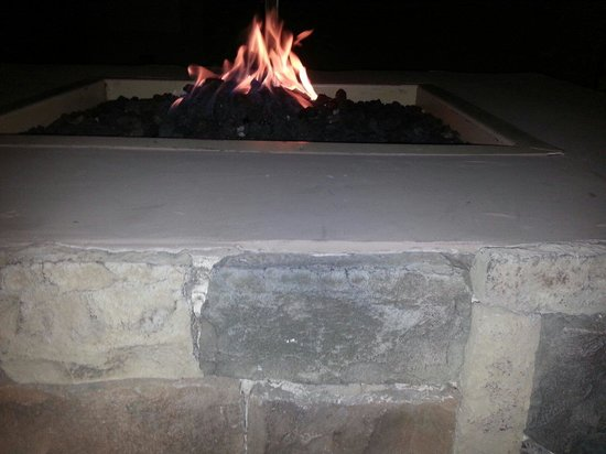 Hilton Garden Inn Preston Casino Area: Fire pit