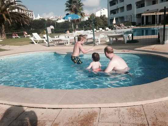 Silchoro Apartments: In the kids pool