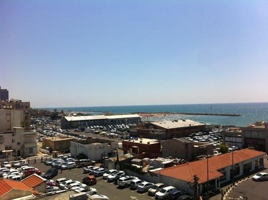 See The Sea: widok z tarasu na dachu
