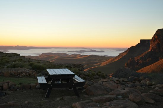 Sani Mountain Lodge: Sunrise in the morning