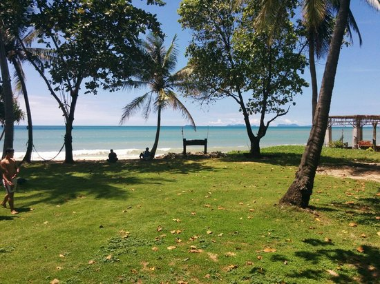 Klong Khong Beach Resort: Beach view