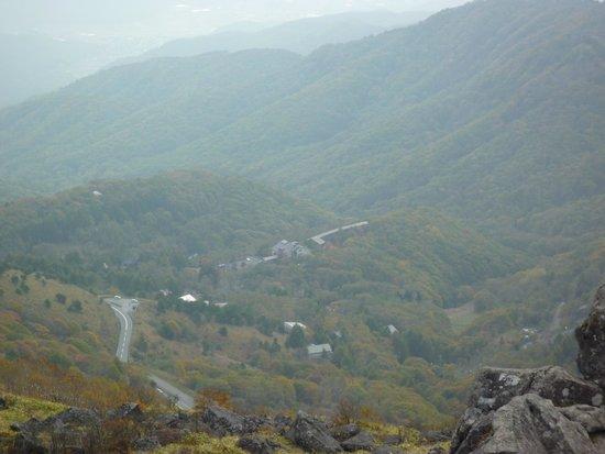 Hotel RES'ORIX: 車山頂上からのホテル外観