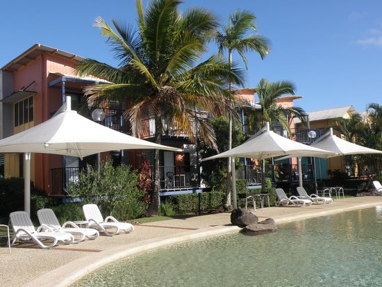 Noosa Lakes Resort: Pool area