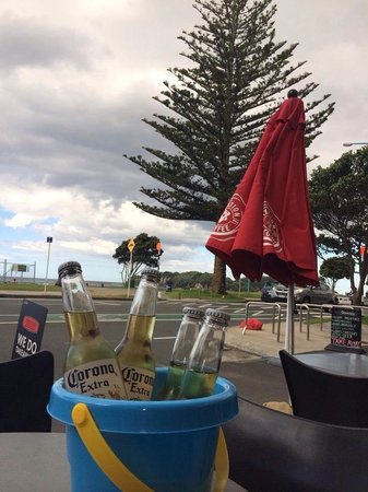 Pronto : Corona buckets with a view