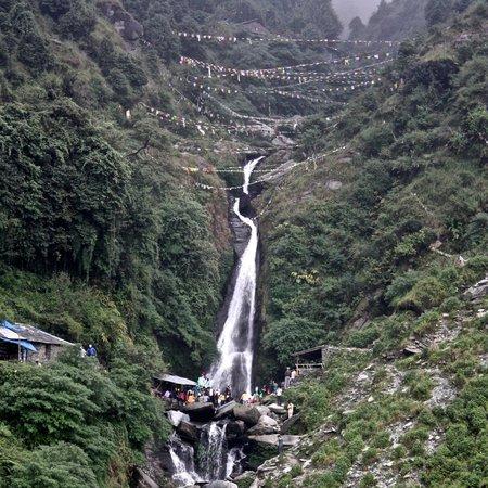 Bhagsu Trek