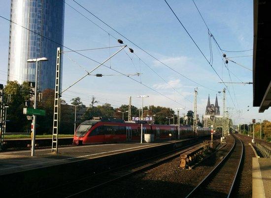 Hyatt Regency Cologne: Koln Messe Train Station