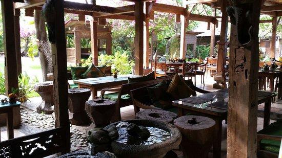 Pondok Sari Beach Bungalow Resort & Spa : Restaurant