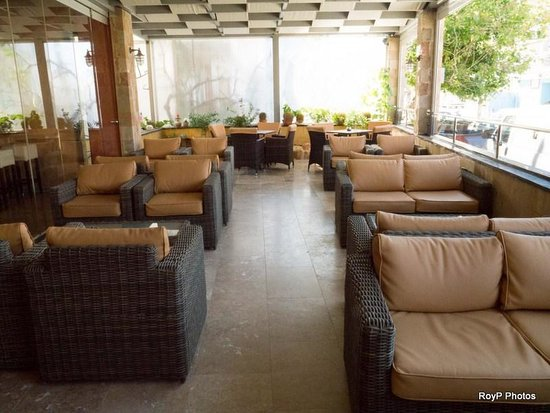 Comfort Hotel: Extended lounge