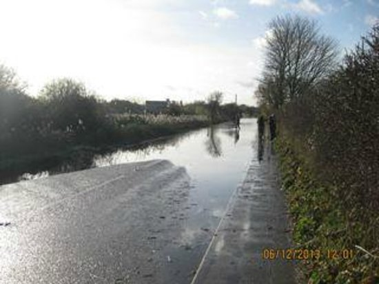 The Crown Inn: Approach road flooded