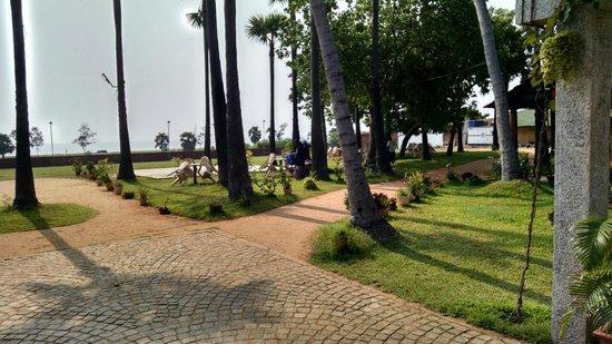 Kalapet, India: outside view