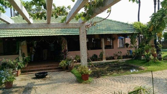 Kalapet, India: Reception