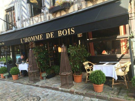 Facade De Restaurant façade du restaurant - picture of l'homme de bois, honfleur