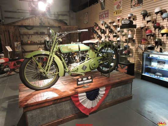 Route 66 Vintage Iron Motorcycle Museum: Harlet del 1017