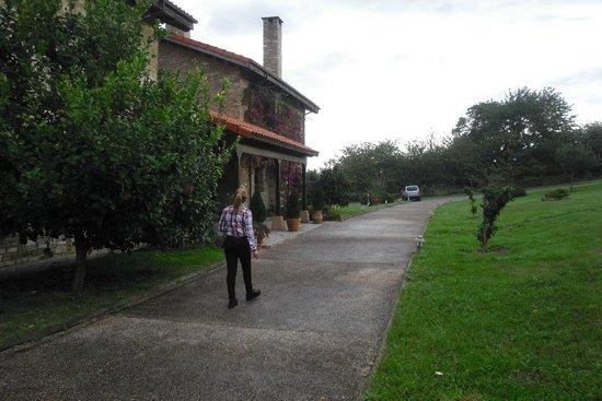 Casona de Cefontes : Vista de la entrada