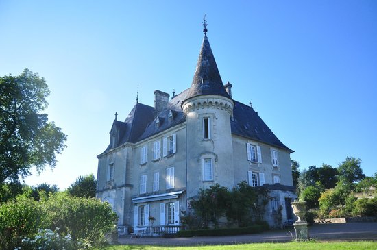 Chateau de La Chabroulie : Our bathroom window is the one open at the top of the tower