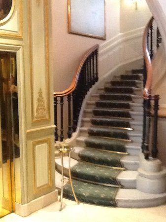 Hotel San Regis : Staircase