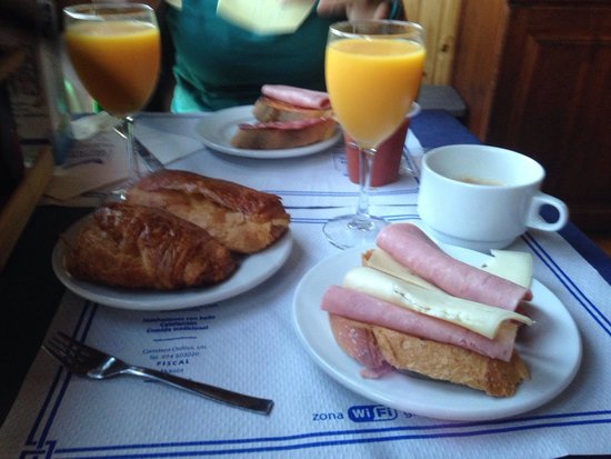 Hostal Rio Ara : Desayuno