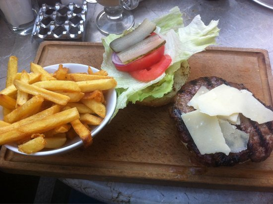 Faros Restaurant Taksim: Best burger :)