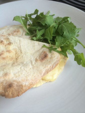 Il Lido: My Piadina bello was a little disappointing. Nothing more than a cheesy toasty that was too cris