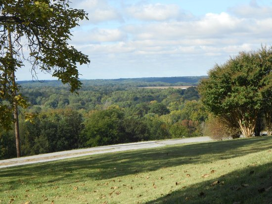 Historic Bell Hill : Beautiful views of southern Illinois