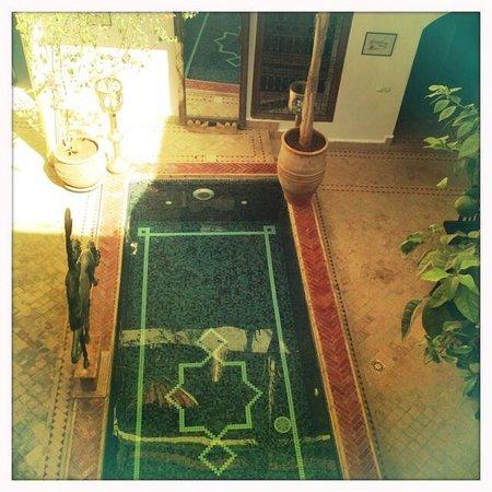 Riad El Zohar: The court yard