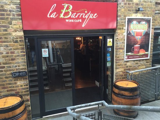 ‪La Barrique Wine Cafe‬