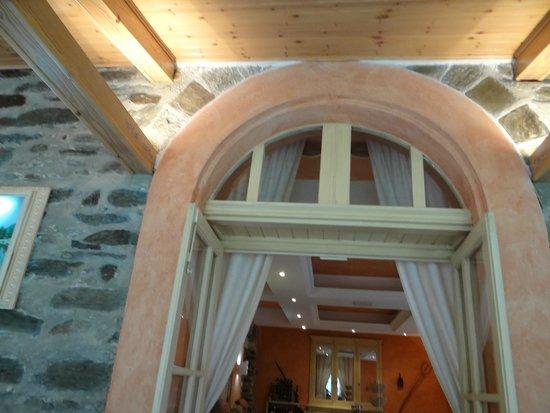 Hotel le Mirval: La terrasse couverte