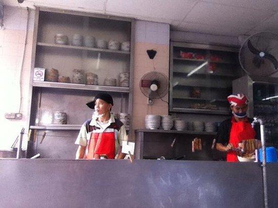 Kedai Kopi Melanian 3: Busy chefs at work