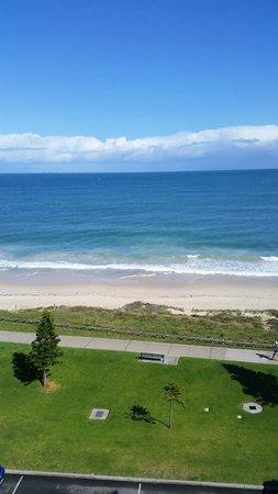 Ocean Beach Hotel: View from corridor