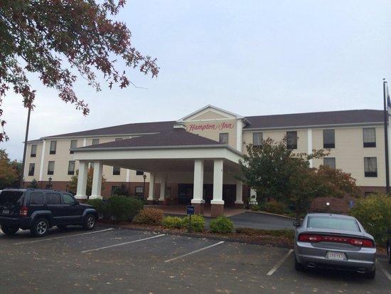 Hampton Inn Hadley-Amherst: Front