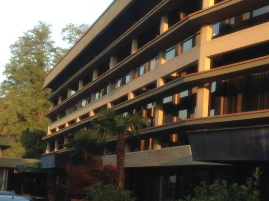 Mercure Roma West: Hotel from outside