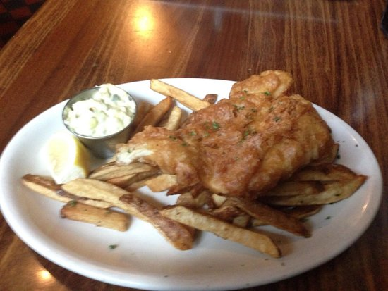 Ri Ra Irish Pub: Awesome fish and chips.